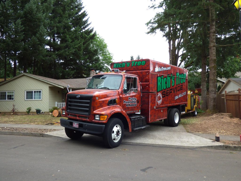 A picture of one of our tree removal trucks on the job